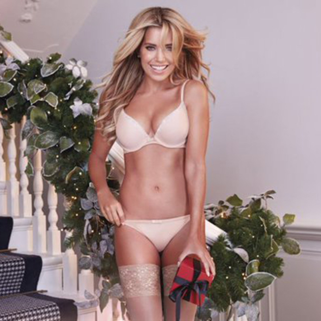 4403a34b5bb0c4 wagsapp.net Sylvie Meis for Hunkemoller, a Christmas sexy shooting.