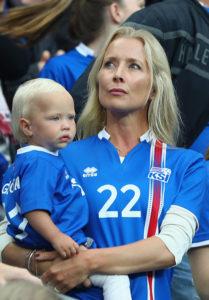 Raghnhildur Sveinsdottir, Eidur Gudjohnsen'S WAG